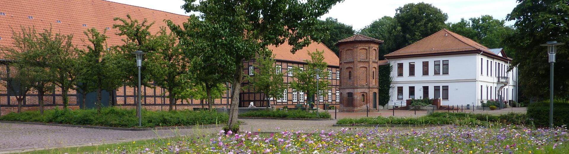 Rathaus_Folgeseite_Rathausplatz