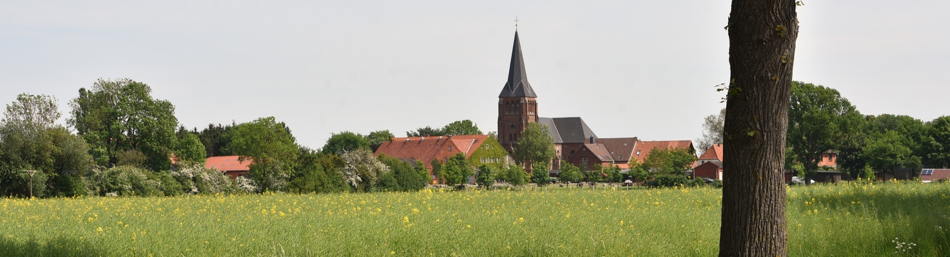 Rathaus_Folgeseite_Kirche_Lunsen