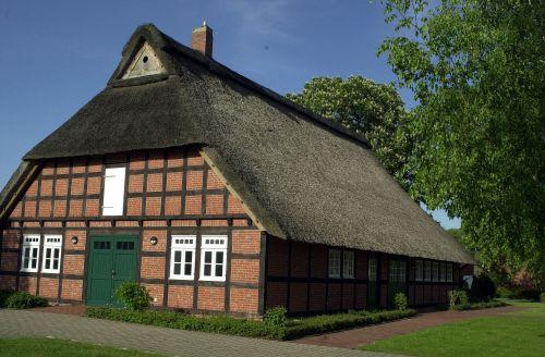 Haus auf der Wurth
