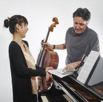 Risa Adachi, Klavier und Matias de Oliveira Pinto, Cello